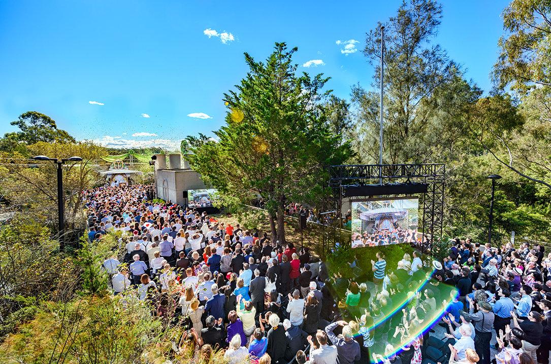 Grootse Opening van de Scientology Kerk van Dallas