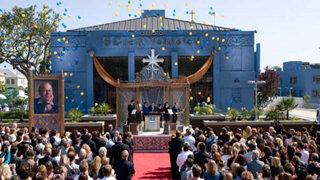 Scientologická církev v Los Angeles - Scientologie ve Spojených státech amerických