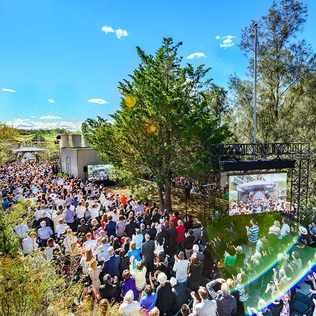 De inwijding van de nieuwe Scientology Kerk Advanced Organization in Sydney, Australië