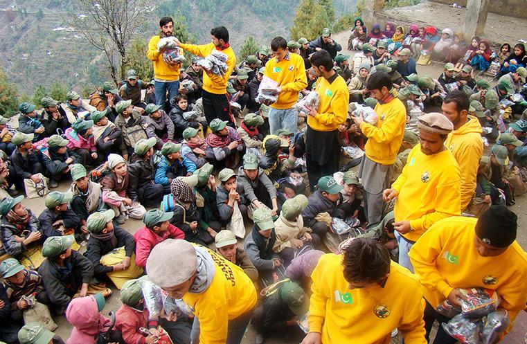 Volunteer Ministers helping Pakistan