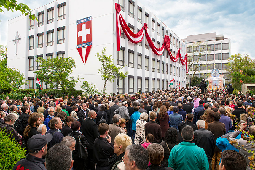 Slavnostní otevření Ideální organizace Scientologické církve ve Švýcarském Basileji