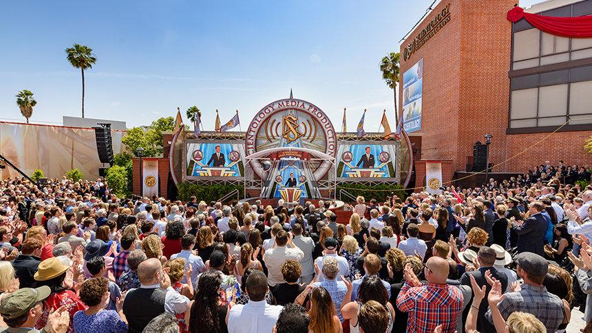 SCIENTOLOGY MEDIA PRODUCTIONS - Scietologické mediálně produkční centrum v Los Angeles, Hollywood, Spojené státy americké, slavnostní otevření dne 28. května 2016